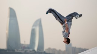 Ryan Doyle – Parkour In Baku City